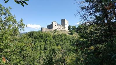 Castle-for-Sale-Italy-Lunigiana-Tuscany---AZ-Italian-Properties--22-