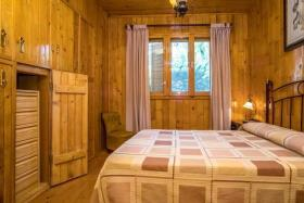 Image No.4-6 Bed Chalet for sale