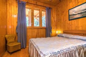 Image No.7-6 Bed Chalet for sale