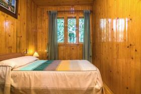 Image No.8-6 Bed Chalet for sale