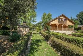 Image No.13-6 Bed Chalet for sale