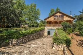 Image No.28-6 Bed Chalet for sale