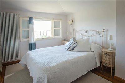 15-Main-Bedroom