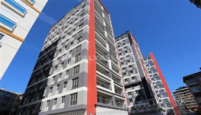 restful-istanbul-apartments-next-to-the-shore-of-the-lake-003