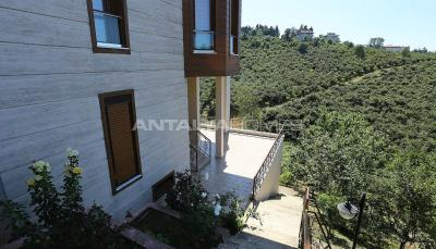4-storey-house-with-full-sea-view-in-ortahisar-trabzon-008
