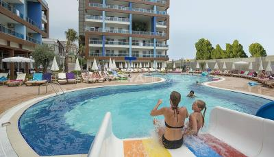quality-apartments-surrounded-by-social-amenities-in-alanya-004