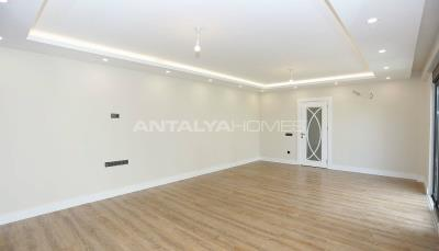 contemporary-villas-with-smart-home-system-in-kundu-interior-004