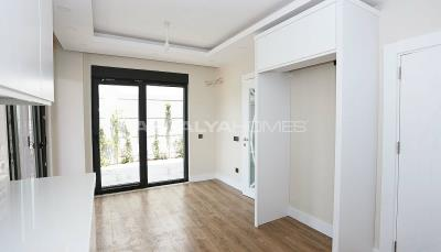 contemporary-villas-with-smart-home-system-in-kundu-interior-006