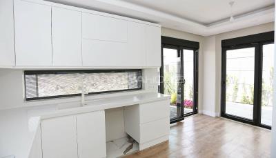 contemporary-villas-with-smart-home-system-in-kundu-interior-007