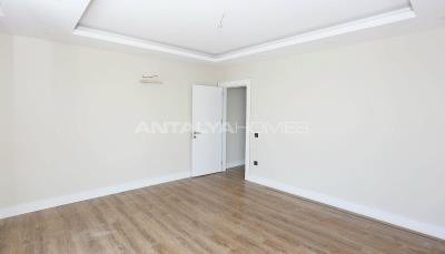 contemporary-villas-with-smart-home-system-in-kundu-interior-012