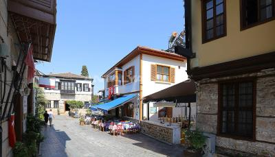 well-located-commercial-property-in-kaleici-antalya-001
