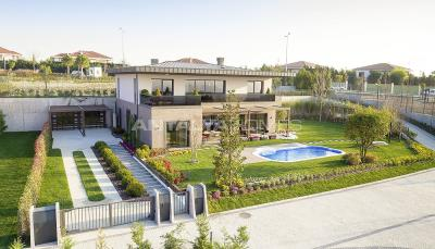 detached-villas-intertwined-with-nature-in-istanbul-003