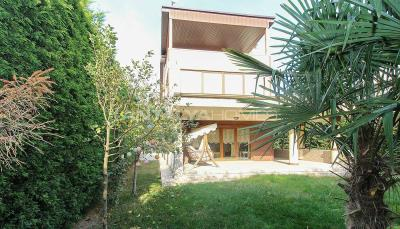 spacious-villa-in-bursa-nilufer-with-well-designed-garden-007