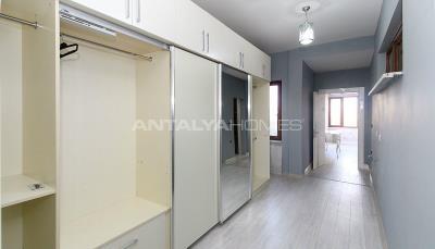 spacious-villa-in-bursa-nilufer-with-well-designed-garden-interior-016