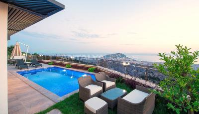 quality-houses-with-magnificent-view-in-alanya-008