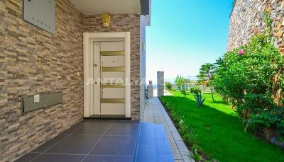 furnished-luxury-villa-with-nature-and-sea-view-in-alanya-004