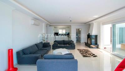 furnished-luxury-villa-with-nature-and-sea-view-in-alanya-interior-002