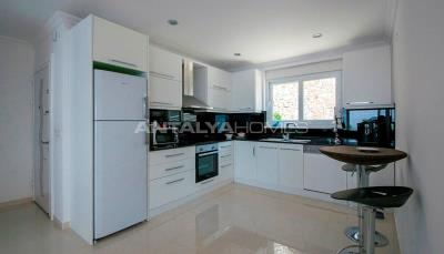 furnished-luxury-villa-with-nature-and-sea-view-in-alanya-interior-003