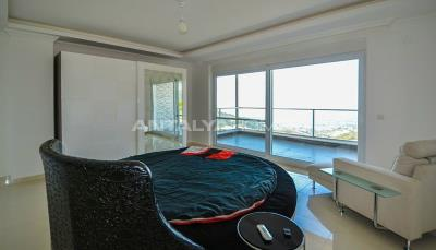 furnished-luxury-villa-with-nature-and-sea-view-in-alanya-interior-005