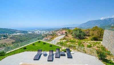 furnished-luxury-villa-with-nature-and-sea-view-in-alanya-interior-009