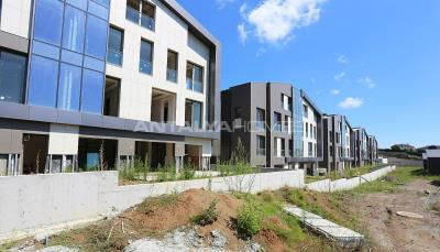 high-class-istanbul-property-short-drive-away-from-airport-construction-011