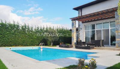detached-villas-with-private-pool-and-garden-in-istanbul-005