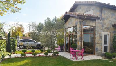 detached-villas-with-private-pool-and-garden-in-istanbul-017