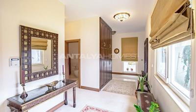 detached-villas-with-private-pool-and-garden-in-istanbul-interior-020