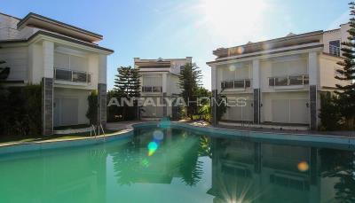 luxurious-triplex-villas-in-lara-antalya-1-km-to-the-beach-005