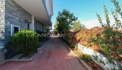 luxurious-triplex-villas-in-lara-antalya-1-km-to-the-beach-012