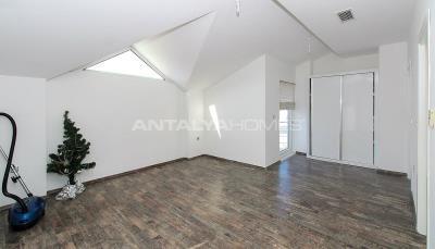 luxurious-triplex-villas-in-lara-antalya-1-km-to-the-beach-interior-012