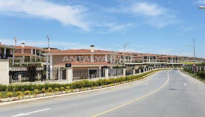 unique-apartments-of-the-istanbul-coastline-002