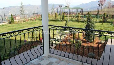 detached-5-2-villas-with-sea-view-in-trabzon-ortahisar-008