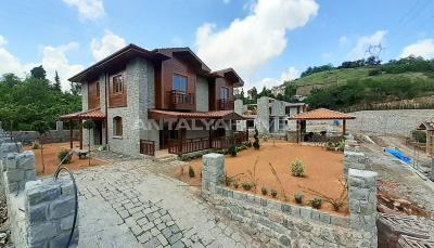 detached-stone-villas-in-trabzon-construction-003