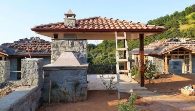 detached-stone-villas-in-trabzon-construction-008