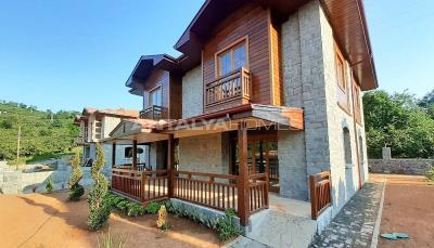 detached-stone-villas-in-trabzon-construction-009
