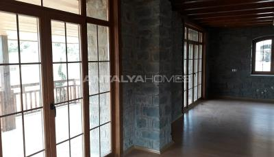 detached-stone-villas-in-trabzon-construction-014