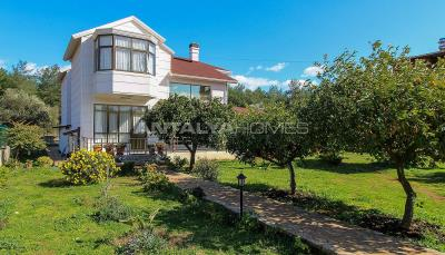 newly-renovated-villa-intertwined-with-nature-in-antalya-001