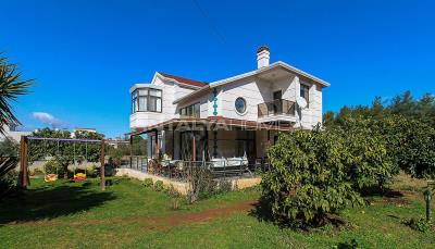 newly-renovated-villa-intertwined-with-nature-in-antalya-002
