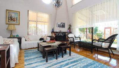 newly-renovated-villa-intertwined-with-nature-in-antalya-interior-003