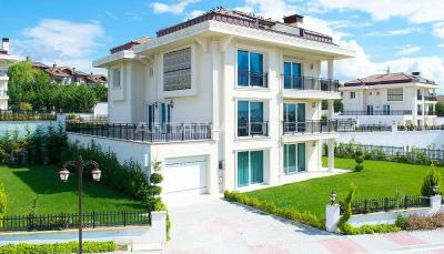 ultra-spacious-7-2-private-houses-with-lift-in-istanbul-001