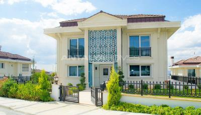 ultra-spacious-7-2-private-houses-with-lift-in-istanbul-003