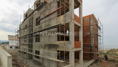 city-and-forest-view-deluxe-houses-with-garden-in-bursa-construction-006
