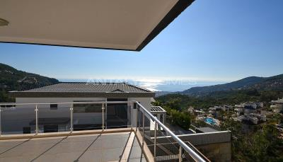 sea-view-5-1-villa-in-alanya-with-rich-features-interior-015