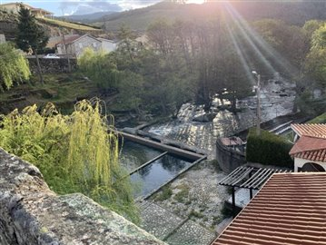 Tarouca-River-min