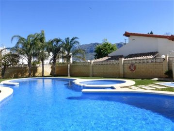 De160P-piscina-vistas-Montgo-view