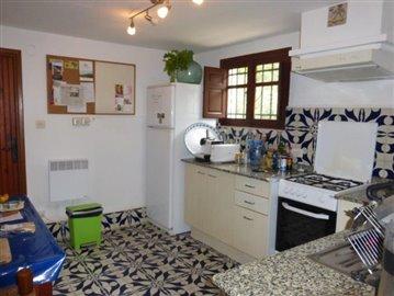 Pe320F-kitchen-Kuche-cocina