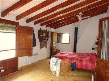 Pe320F-bedroom-Schlafzimmer-dormitorio-1