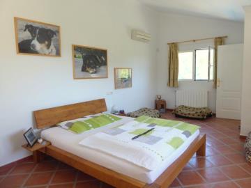 Alb430-bedroom-Schlafzimmer-dormitorio-1c