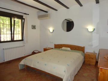 Alb430-bedroom-Schlafzimmer-dormitorio-2